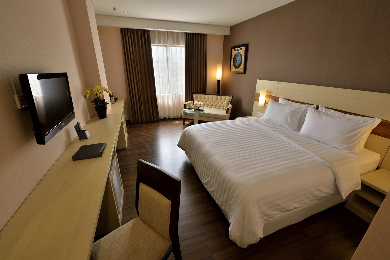 E. Deluxe room